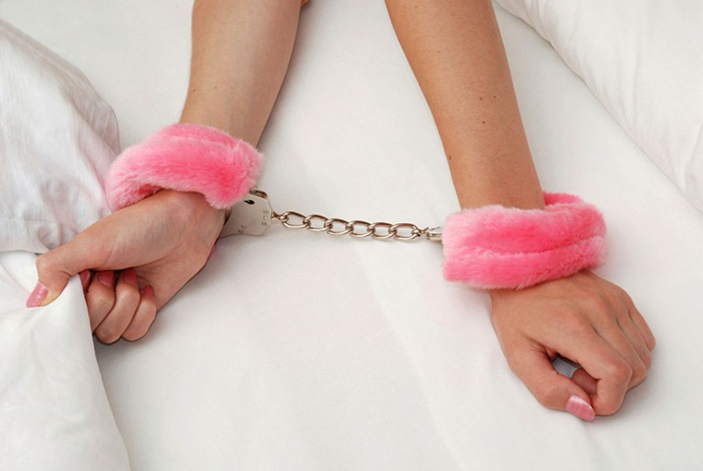 buy her handcuff to seduce