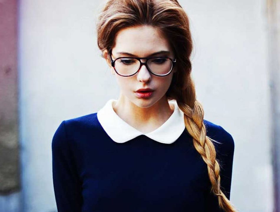 men like the nerdy look of women