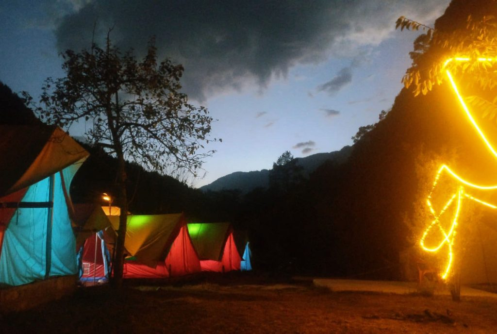 new year party destination kasol