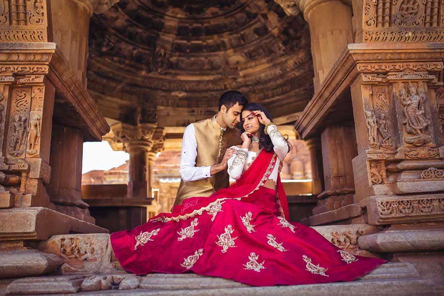 Always Coordinate With Your Fiance In Your Pre-Wedding Shoot