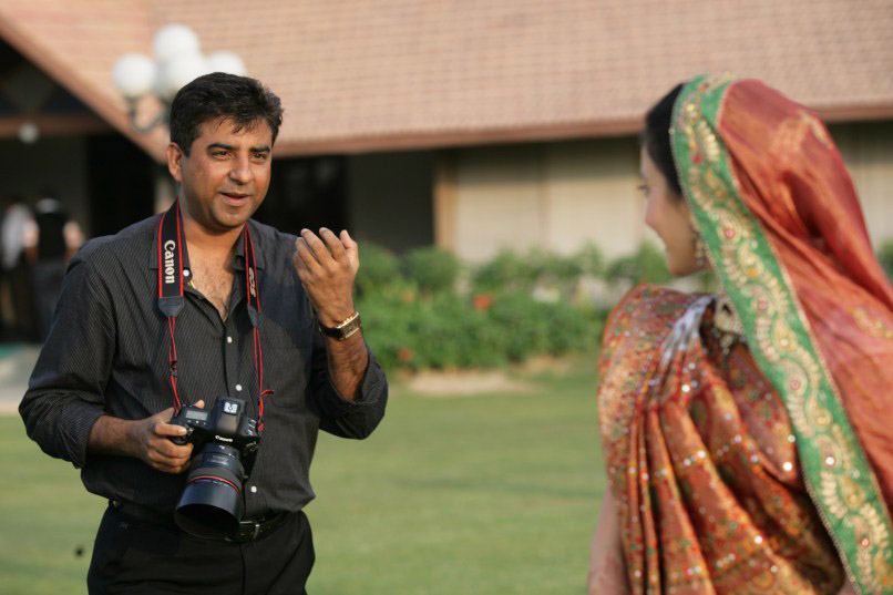 Hire A Professional Photographer For Your Pre-Wedding Shoot