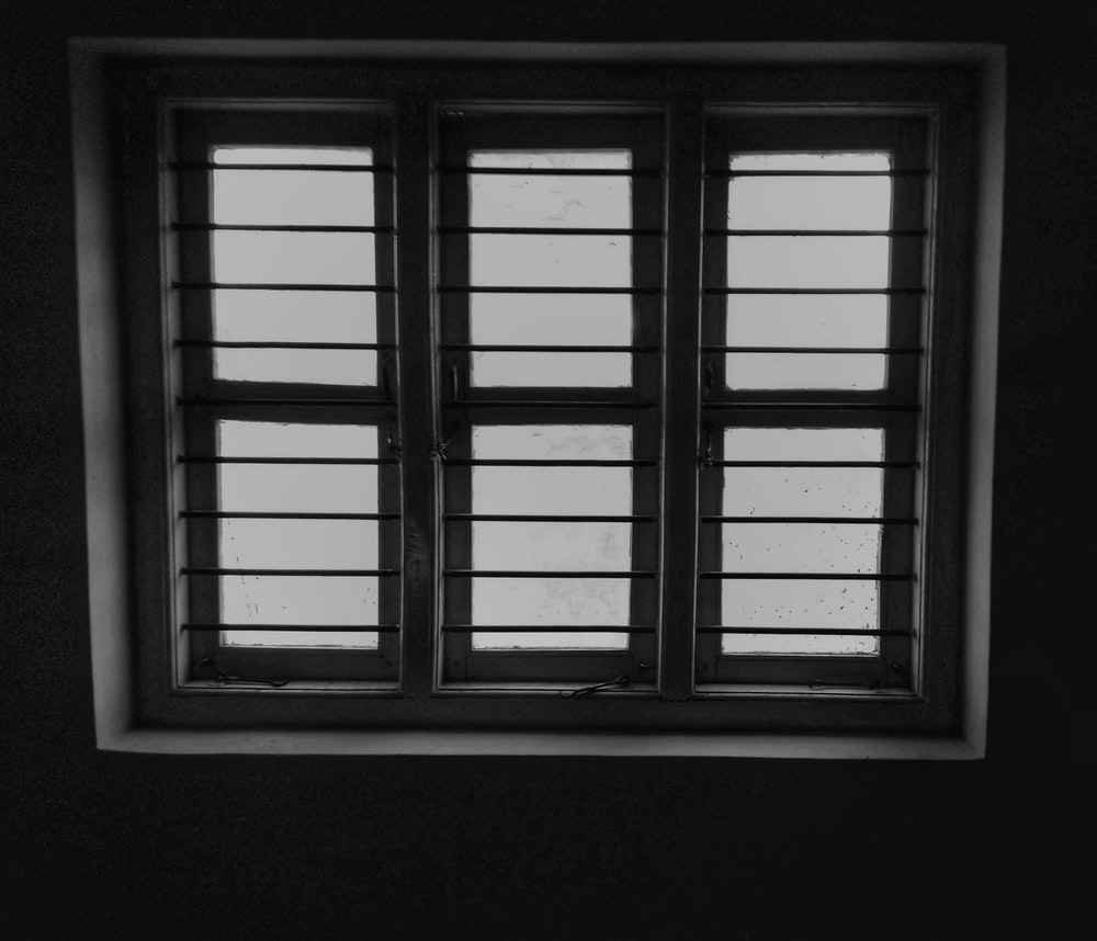 close your windows to keep your room warm in winter