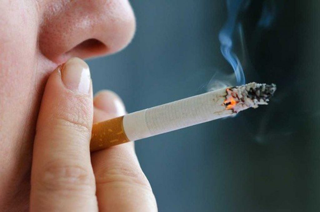 smocking cigarettes can cause severe hair loss