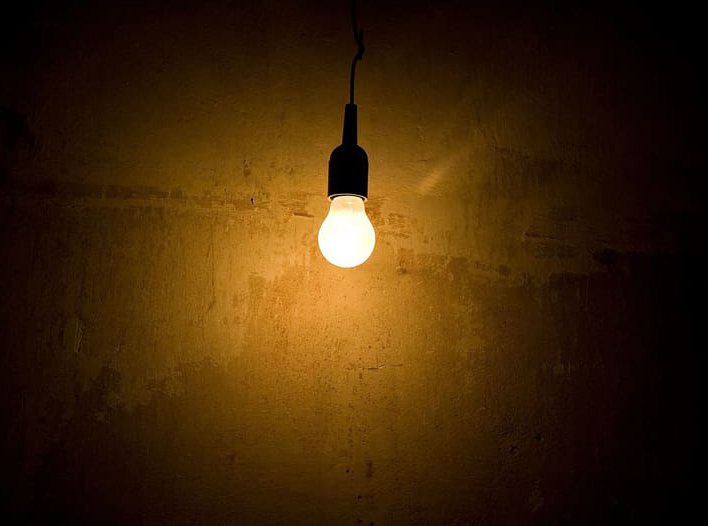 use incandescent bulbs in winter