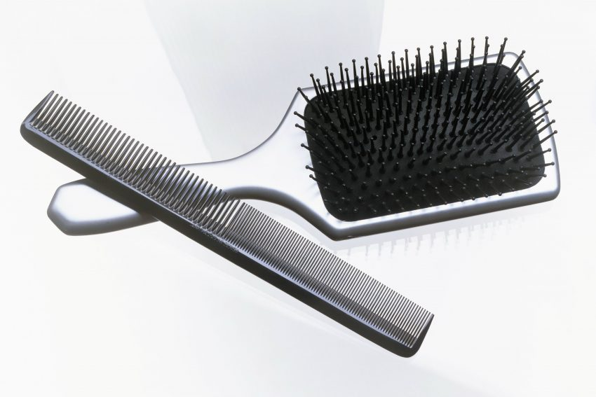 Men's Combs And Brushes