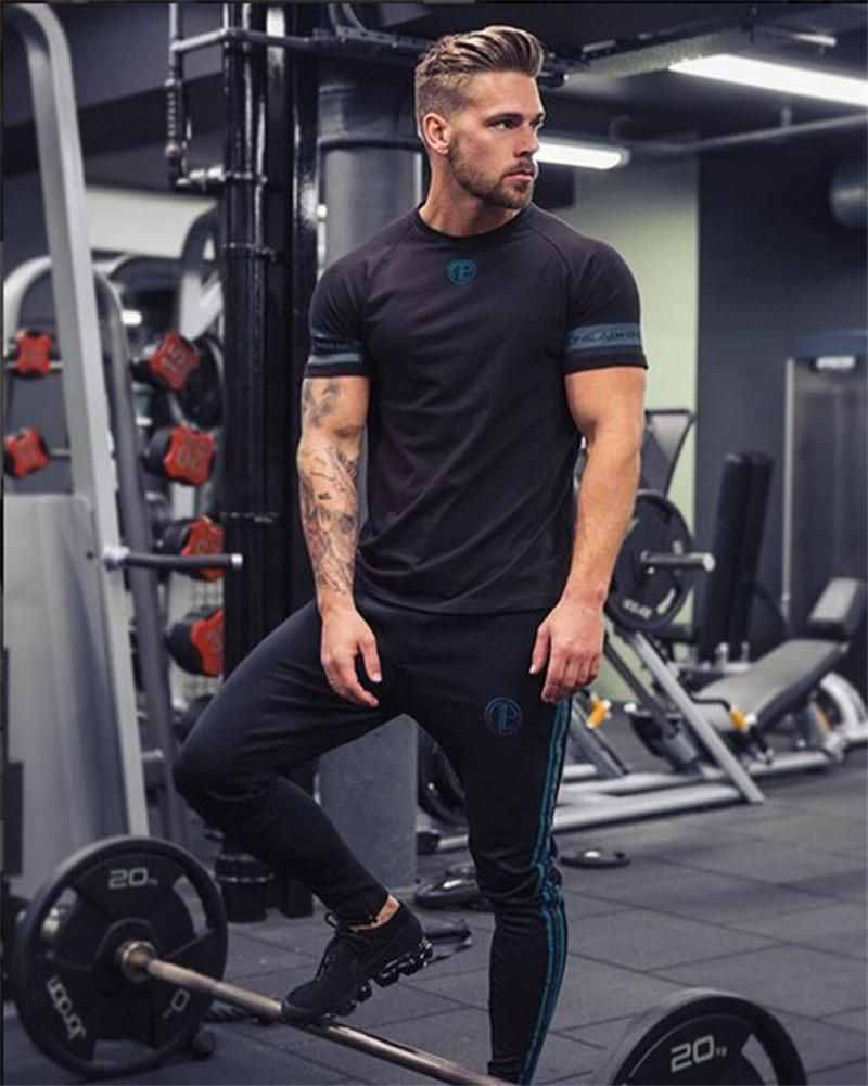 men gym outfit t-shirt fashion