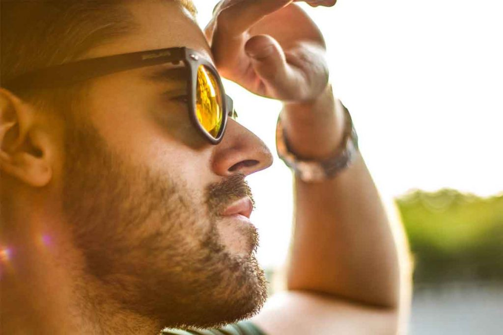 Sunglases helps to see clearly under the sun