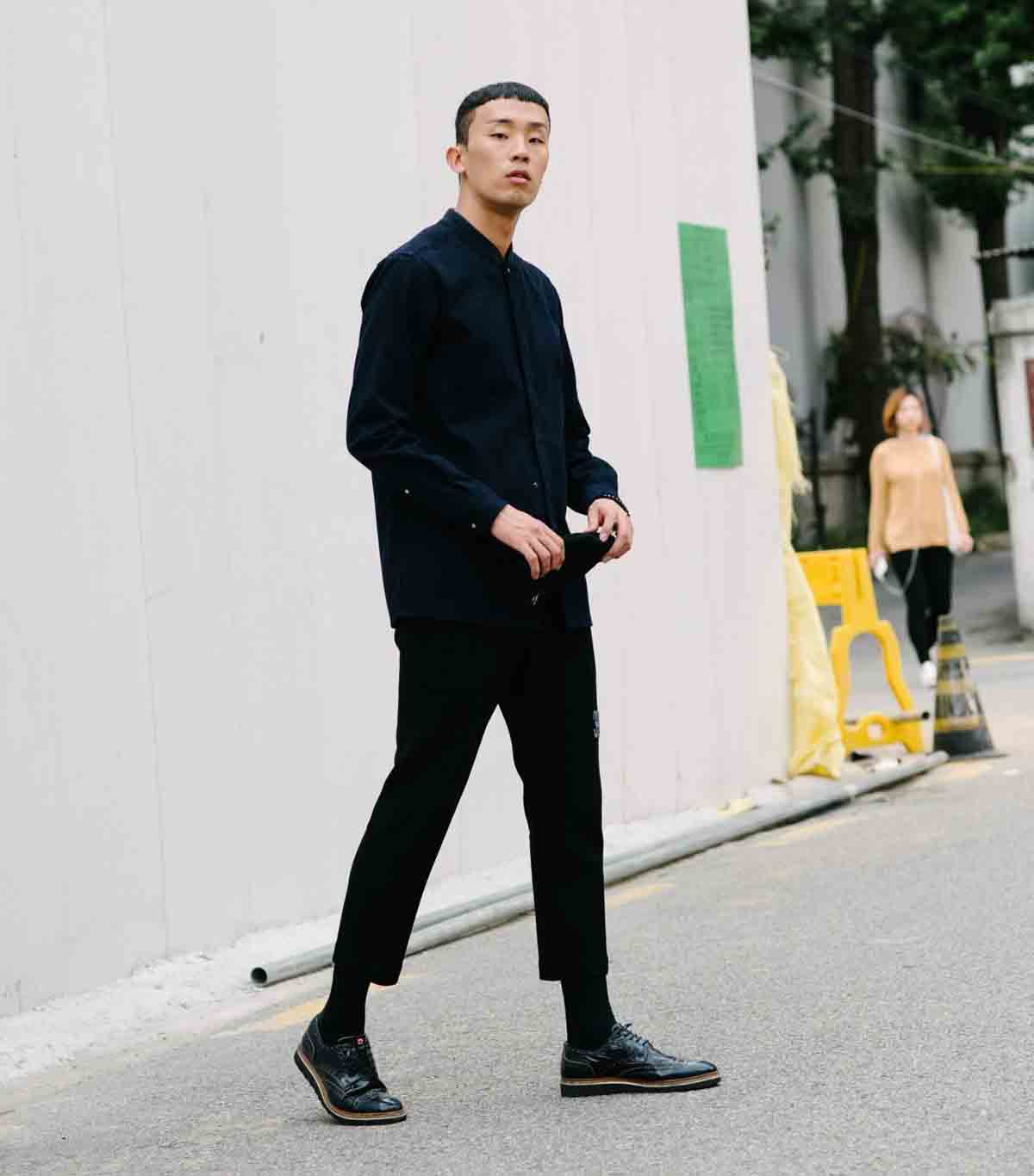 What are cropped trousers for men