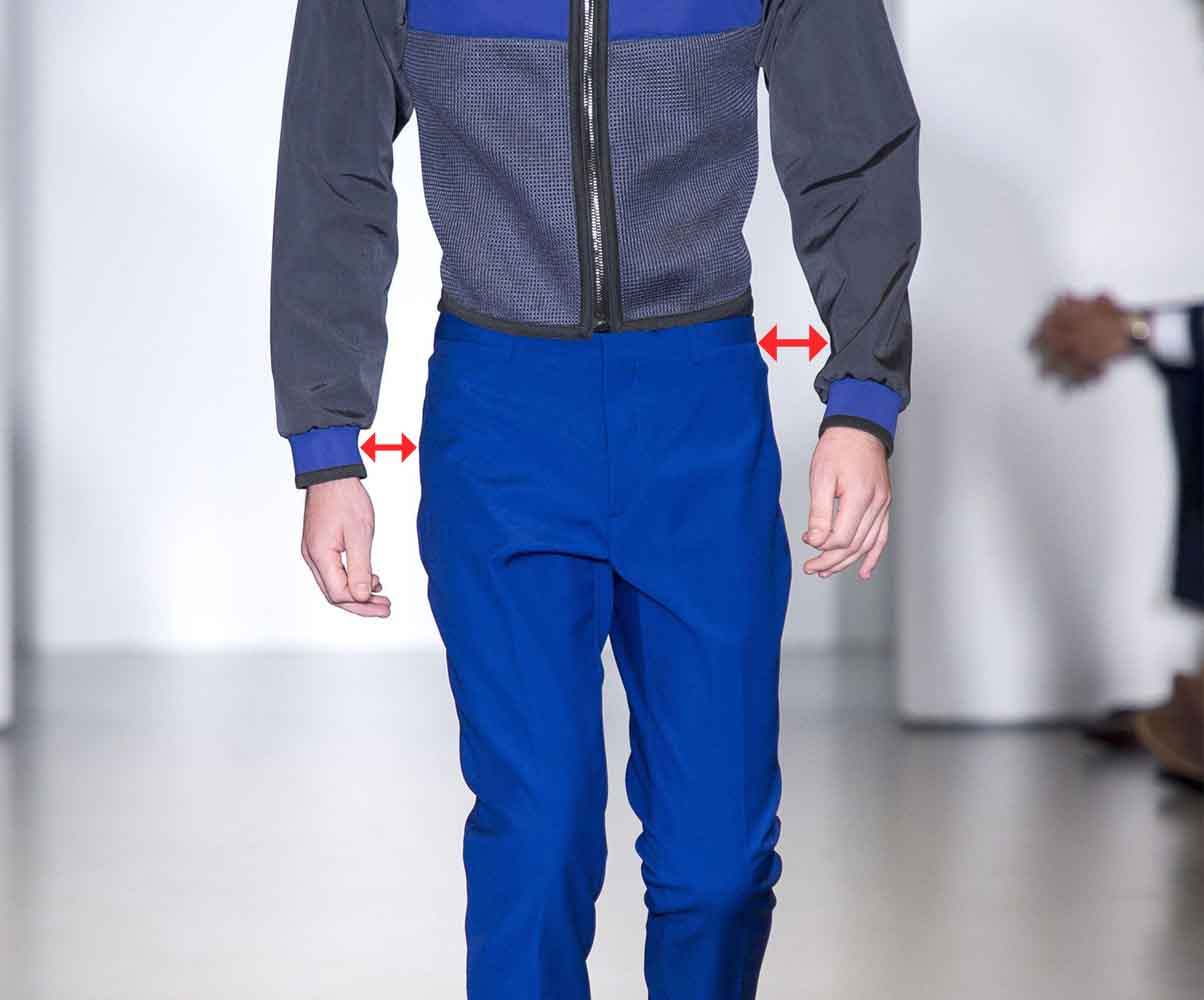 how to keep your hands while walking like a runway male model