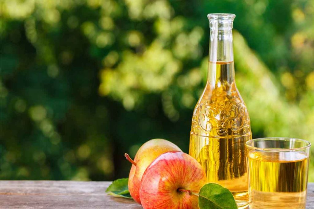 Apple cider vinegar helps to whiten teeth naturally