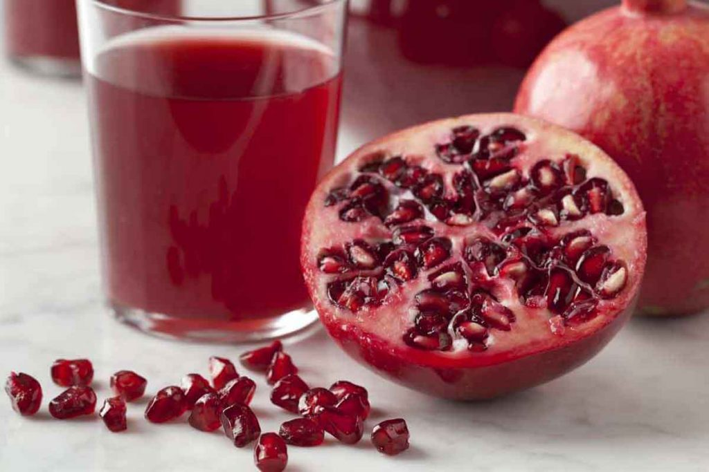 Pomegranate is good to boost male hormone levels