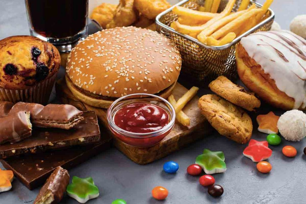 Processed foods lowers male testosterone levels