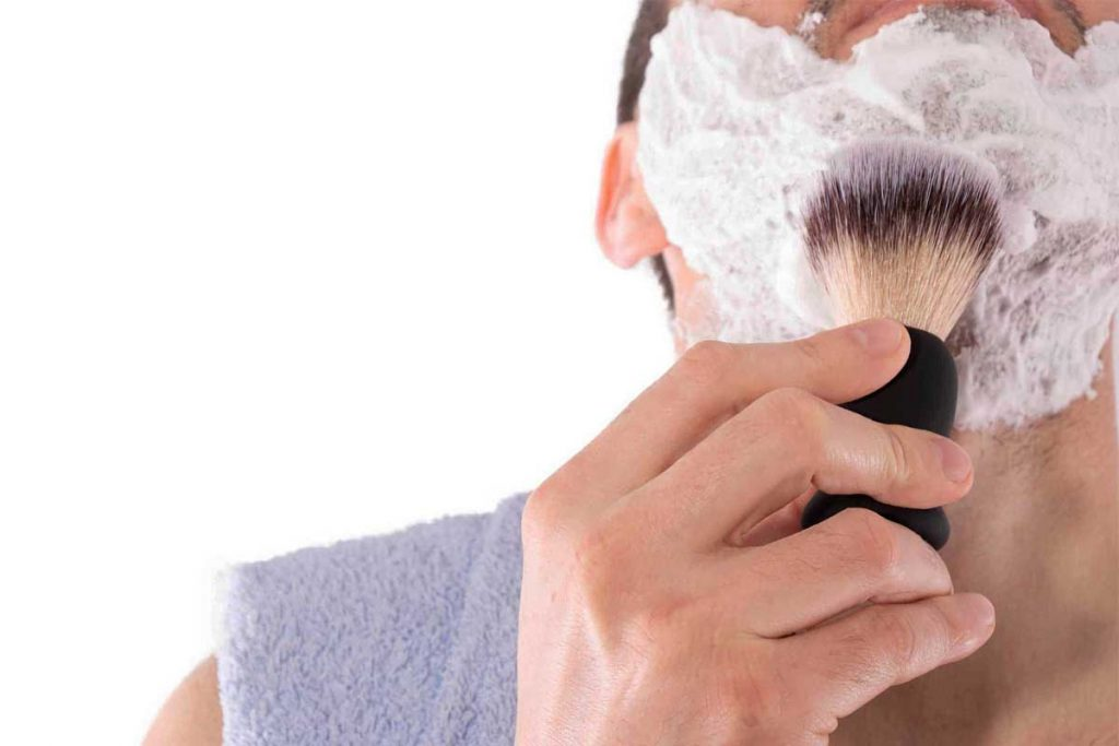 apply shaving cream properly to get a smooth shave