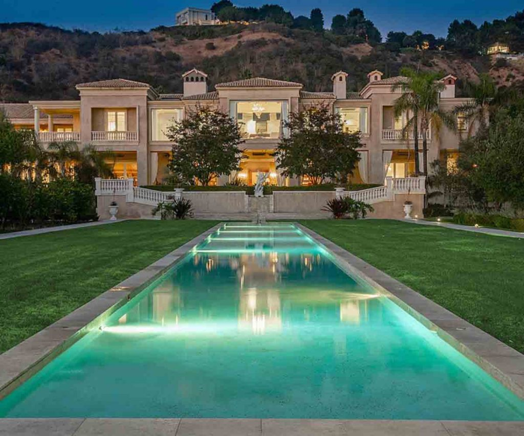 5 Ridiculously Expensive Things Owned By Jeff Bezos - LA Home