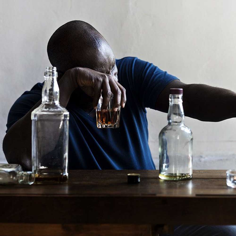 Excessive Drinking May Cause Face Fat In Men