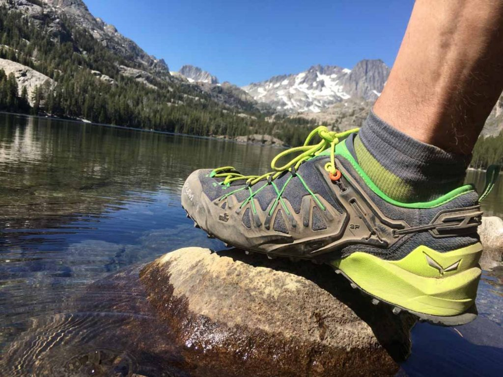 How To Choose The Best Trekking Shoes For Men