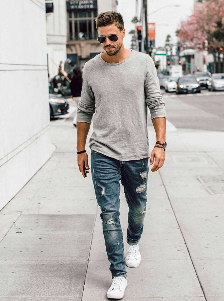 Guys Blue Jeans Fashion In College