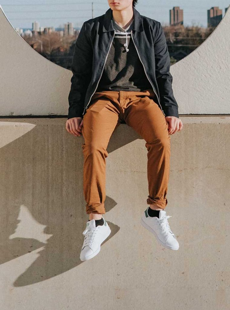 How To Style Sneakers In College For Guys