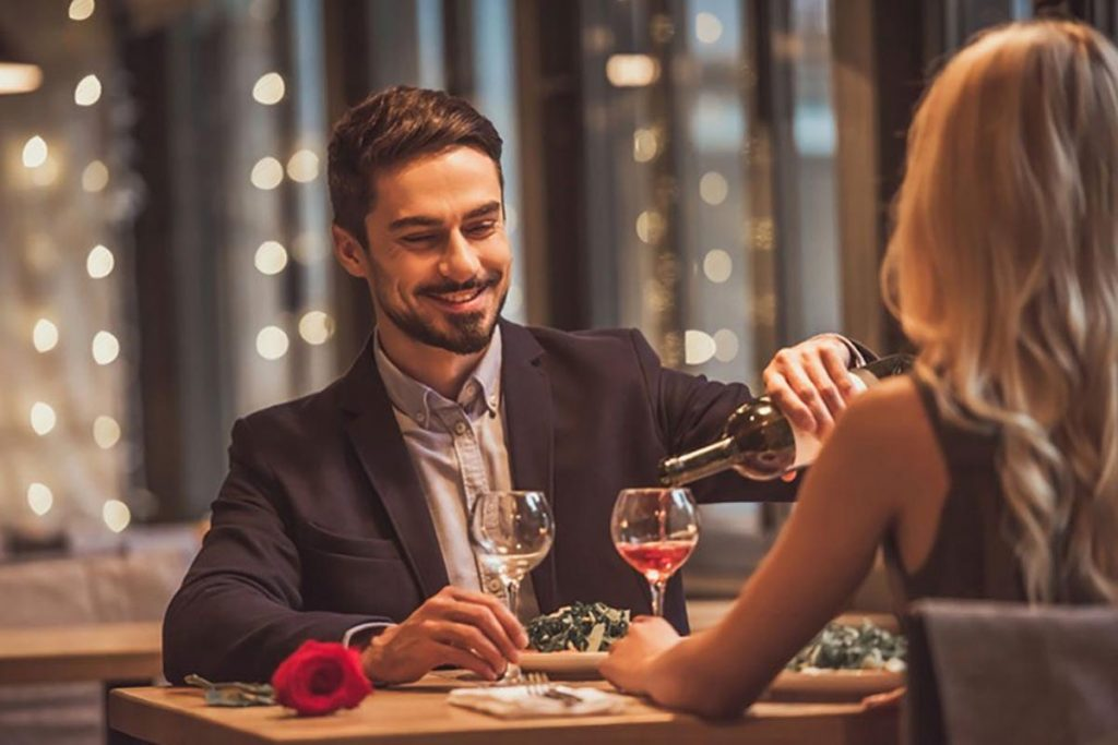 What Cologne Men Should Wear On A Date In India