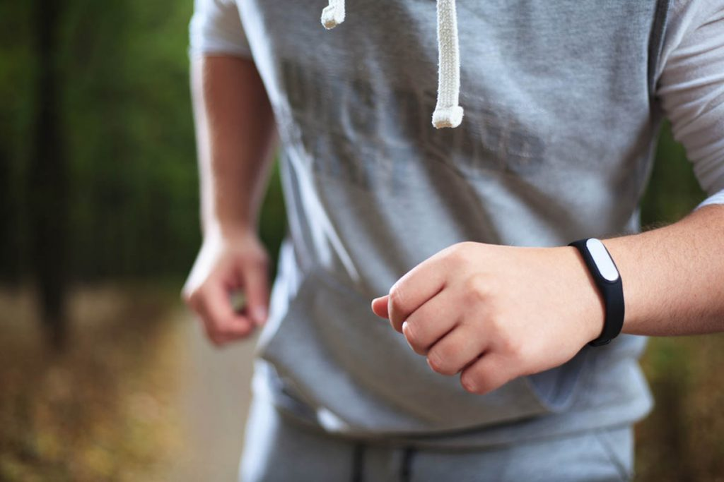 What are the benefits of using Fitness Trackers